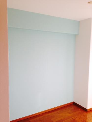寝室 アクセント壁紙貼り
